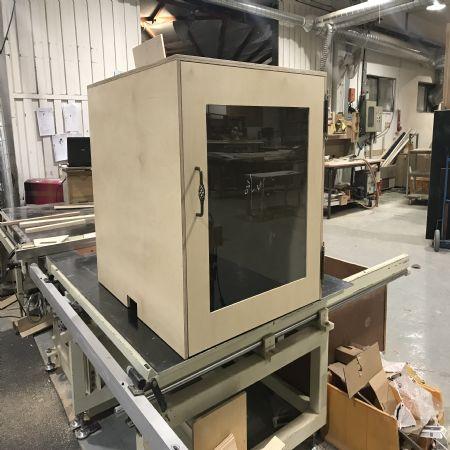 기계용 방진 방음 박스 케이스를 제작하고 있습니다.