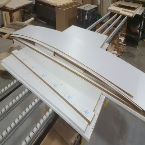 백색 UV 고광택 6면코팅 18mm(MDF,국내산) W2400XH1209mm