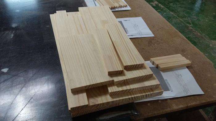 회원작품 - 철천지 - 소나무로 만든 모니터 선반