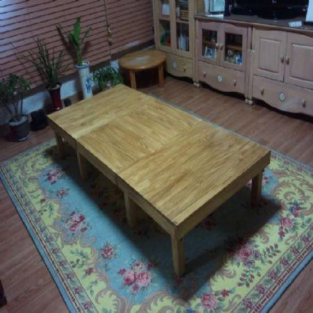 집성목으로 만든 3단좌탁
