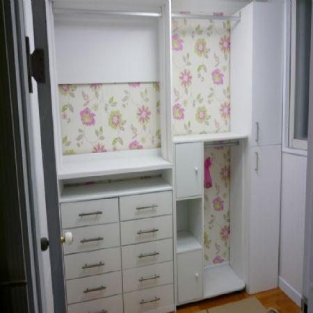 기존 가구를 이용한 개방형 옷장과 수납장