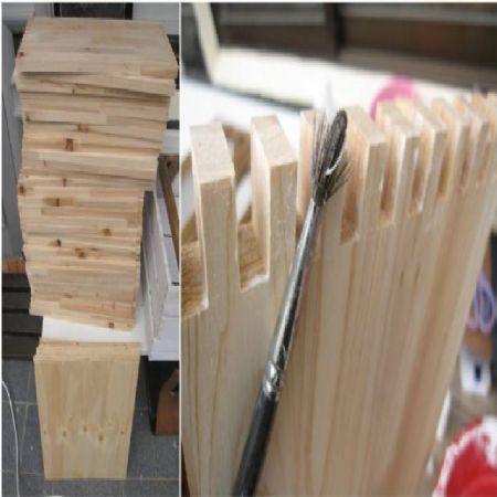 삼나무로 만든 침대 수납장과 부엌선반
