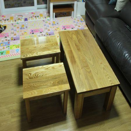 물푸레나무(솔리드)로 만든 좌탁 및 작은 탁자