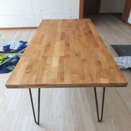 오리나무 집성목으로 만든 책상