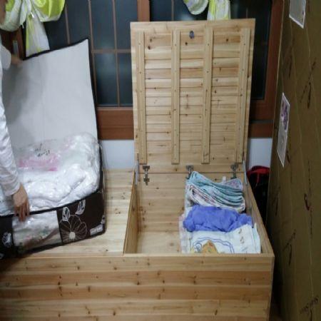 집성목으로 만든 수납겸용 침대 조립