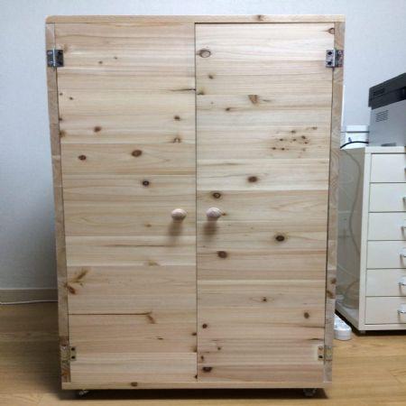 삼나무 집성목(18T)로 만든 잡동사니 수납장