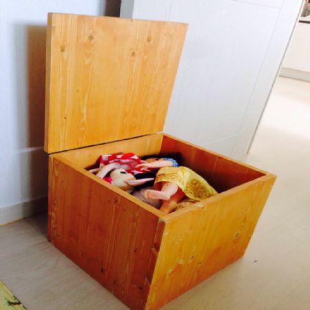 스프러스 집성목으로 만든 수납용 의자