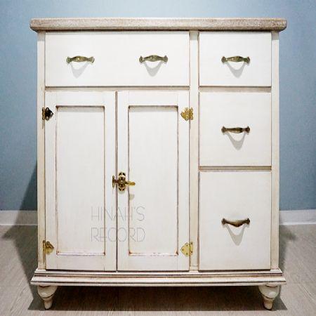 자작합판으로 만든 주방 수납장