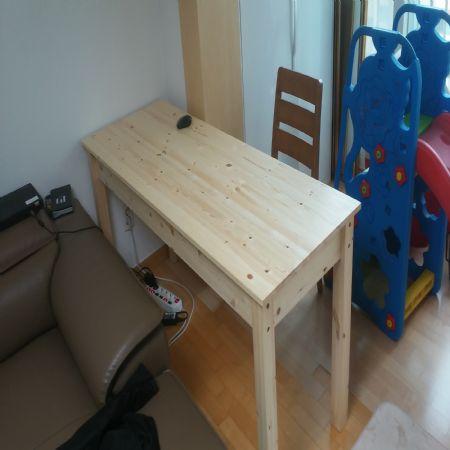 소나무 집성목으로 만든 아이들 책상