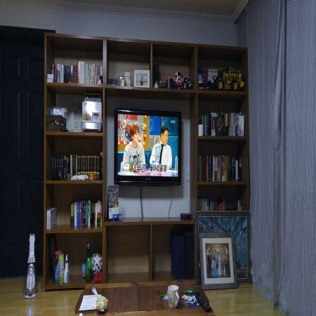 레드파인 집성목으로 만든 TV 거실장
